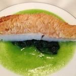 23873936 - 魚料理:アマダイのソテー 菜の花のソース