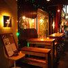 ガパオ食堂 - 外観写真:暖かい季節には、テラス席もご利用いただけます。
