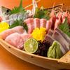 花車 - 料理写真:【舟盛り】こだわりの新鮮な魚介を 贅沢に使った料理は頬も緩む味!
