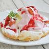 benci - 料理写真:ストロベリークリームとバニラアイスのデザートピザ
