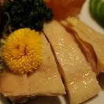 551蓬莱 - 三種冷菜盛り合わせ(蒸し鶏)