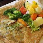 アルモリック - フィレ・ド・ポー・シャンバロン(豚フィレ肉と鎌倉野菜、じゃが芋の蒸し焼き)