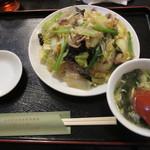 台湾家庭料理 めめ - 焼きビーフン 840円