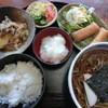 樹庵 - 料理写真:この日のおかず2品は肉じゃがと春巻きでした!!