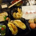 ひろめ市場 - 高知の名物料理、美味しい食材を使った料理がたくさん楽しめます