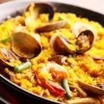 エスペランサ - 当店No.1魚介のミックスパエリア!魚介のスープが効いて大人気メニューです。是非ご賞味下さいね!