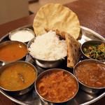 南インド料理ダクシン - 南インド肉料理ミールス