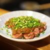 もつ焼 塩田屋 - 料理写真:ハラミのタタキ