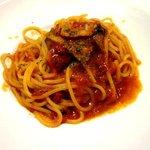 ヴォーノ・イタリア - ナスとベーコンのトマトソース!