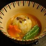 大宮 伊勢錦 - 昼のおまかせ懐石・百合(煮物)