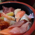 鰍 - まさに具沢山の海鮮丼でした 2013.09
