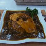 麦わら亭 - 料理写真:洋食屋さんのオムライス(1150円)。デミグラスソースです