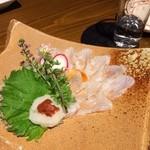 綱べこ - 寒ヒラメの薄造り(750円)