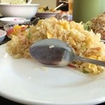 台湾料理 嘉宴楼 - 炒飯定食の炒飯の断面