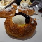 粉とクリーム - ブルーベリーヨーグルト(157円)