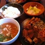 とことん一興 - 料理写真:トンテキ、豚汁、漬物、ごはんで500円はお得‼︎(^O^)/
