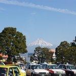 虹屋ミミ - 新幹線に乗って東京から新富士に着きました。駅を降りるとドーンと富士山が。