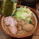 らーめん天空 - らーめん(中盛)(700円)と味玉(100円)(2009.10)