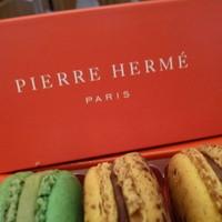 ピエール・エルメ・パリ - 料理写真:2014.02 マカロンです♪