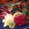 にじいろ - 料理写真:刺身盛り819円