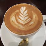 ナガハマコーヒー - ラテアートはリーフ