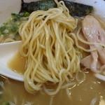 中華そば 華丸 - 麺アップ