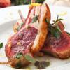 ラ クッチャーラ - 料理写真:仔羊骨付きロース 1ピース ~オリーブペーストと粒マスタード添え~