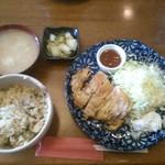 臥嘗庵 - 料理写真:チキン南蛮定食「500円」大盛り無料+お替り自由!何時でも炊き込みご飯が嬉しいですね♪