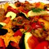 VIVAパエリア - 料理写真:ローストチキンとグリル野菜のパエリア(Mサイズ:2,500円)の近影。ここのパエリアではこれが一番うまい。