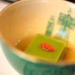国登録文化財 二木屋 - 新豌豆豆(しんゑんだうまめ)寄せ枸杞の實(み)美味汁