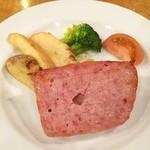 オーデン - frischkäse  Sour Krautがあんまり好みの味じゃないのが残念…  frischkäseも普通…