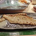 第三春美鮨 - まずはお腹のところかたです。