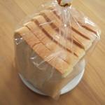 笹山 - お店一押しの、食パン 240円