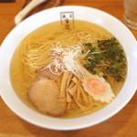 麺匠 玄龍 - 塩らーめん 730円