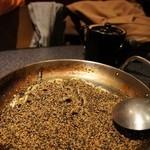 水炊き風もつ鍋 もつ彦 - 〆の胡麻そば 350円X2