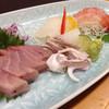居酒屋 桃太郎 - 料理写真:刺身盛り合わせ