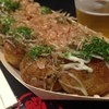 築地銀だこ - 料理写真:イオンモールのフードコートでお友達の皆がデザート食べる言うから、私はたこ焼き食べました 銀たこってカリカリなんやね 東京っぽいのかな?