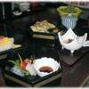 京の粋 海の幸 花乙女 - 料理写真:愛膳 1350円 小規模な天丼と刺身丼