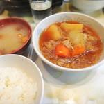 富士川食堂 - 肉とじゃが煮付け定食