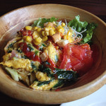 SALAD SHOP LANCIA - ベーコン&ほうれん草のオムレツのサラダ