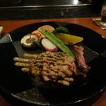 伍六 - こだわりお肉の鉄板焼き グリル野菜添え