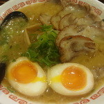 よってこや - チャーシュウ麺:950円 (味玉サービス)