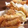 活の親方 - 料理写真:串揚げ 鶏・豚・牛・野菜の定番食材から旬の素材まで、次々に揚げちゃいます! 熱々のうちにお召し上がり下さい!