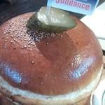 Sundance - アボラーズバーガー(濃厚チーズとアボカド入) 1,080円