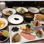 ホテルビスタプレミオ堂島 - 朝食は、和食中心メニュー
