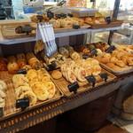 ブーランコ - 食べ放題のパン