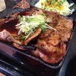 帯広ぶた丼 - ド迫力!肉、柔らかし!