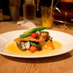ディオチヂ - 白身魚のソテー 牡蠣とアサリのソース