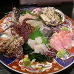 味乃魚隆 - 料理写真:地魚の刺し盛です
