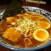 麺屋しらかわ - 料理写真:中華そば650円 卵入り